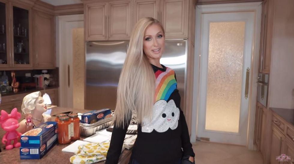 """""""That's hot!"""": Paris Hiltons neue YouTube-Kochshow verleiht deinem Leben die nötige Würze"""
