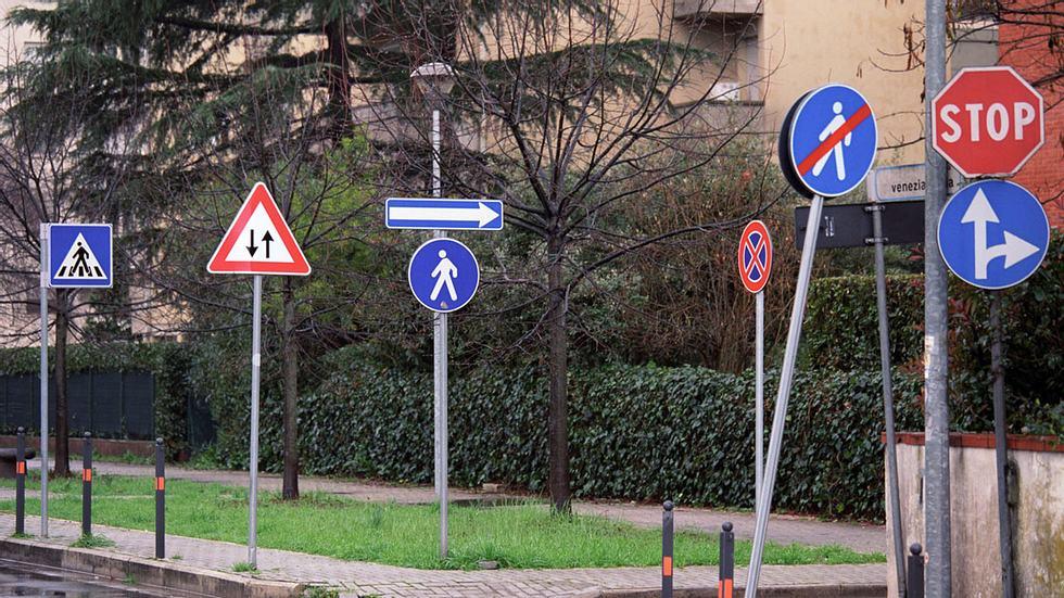 Die skurrilsten Verkehrsregeln in Europa, die jeder kennen sollte