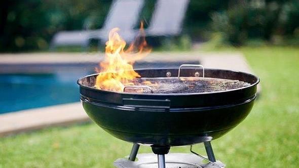 Der Campinggrill: Die besten Modelle, um unterwegs zu grillen