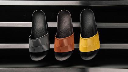 Adilette de luxe: adidas kooperiert mit Designer Raf Simons - Foto: Feature Sneaker Boutique