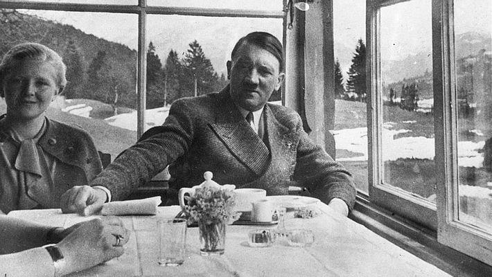Adolf Hitler mit Eva Braun - Foto: Getty Images