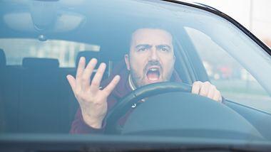 Aggressiver Autofahrer - Foto: iStock / tommaso79