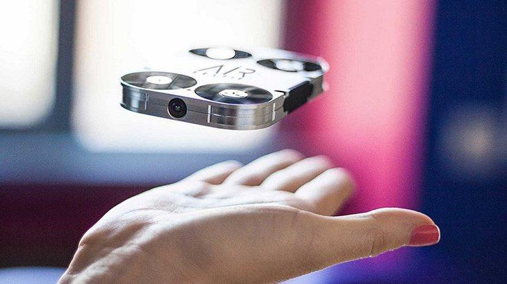 Airselfie: die kleinste fliegende Kamera der Welt