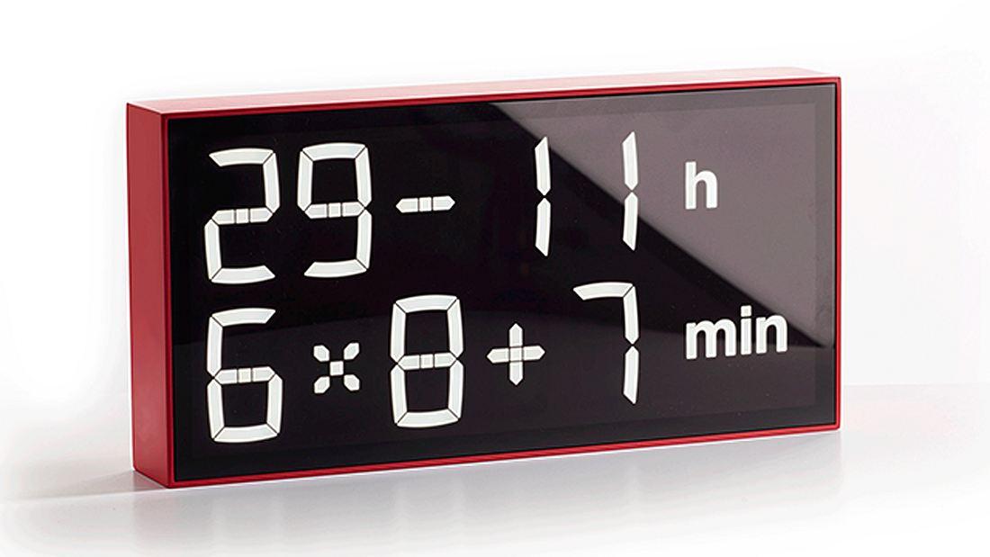 Albert Clock: Diese Uhr zwingt dich, Matheaufgaben zu lösen, damit du die Uhrzeit erfährst
