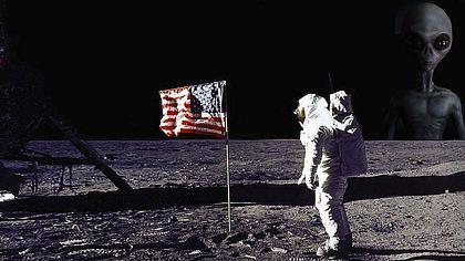 Buzz Aldrin hat ein UFO gesehen - Foto: NASA/cosmin4000 (Collage Männersache)