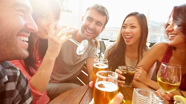 Alkohol löst die Zunge - auch bei Fremdsprachen