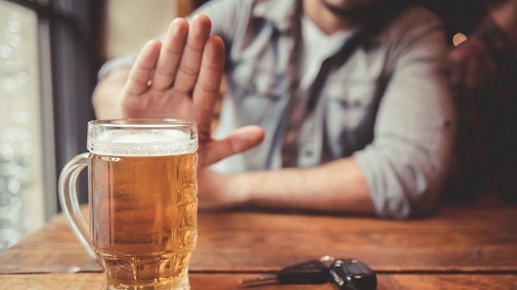 Das passiert, wenn du einen Monat auf Alkohol verzichtest