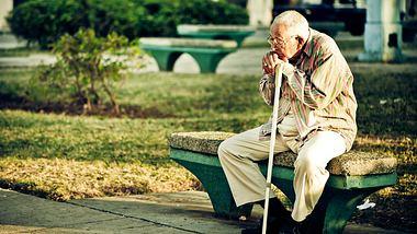Altersarmut entgehen: So lange muss der Deutsche arbeiten