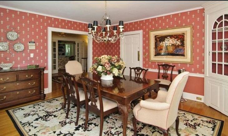 Das ehemalige Anwesen der ermordeten Familie DeFeo in Amityville steht zum Verkauf