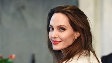 Angelina Jolie nackt in der Harpers Bazaar
