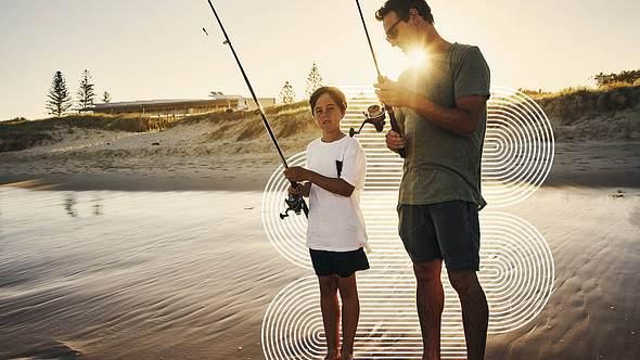 Vater mit Sohn beim Angeln - Foto: •Angeln mit Kindern: iStock/Pixeldeluxe, Collage / bearbeitet durch Männersache
