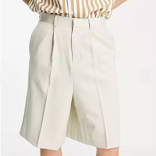 Bermuda-Shorts in Creme