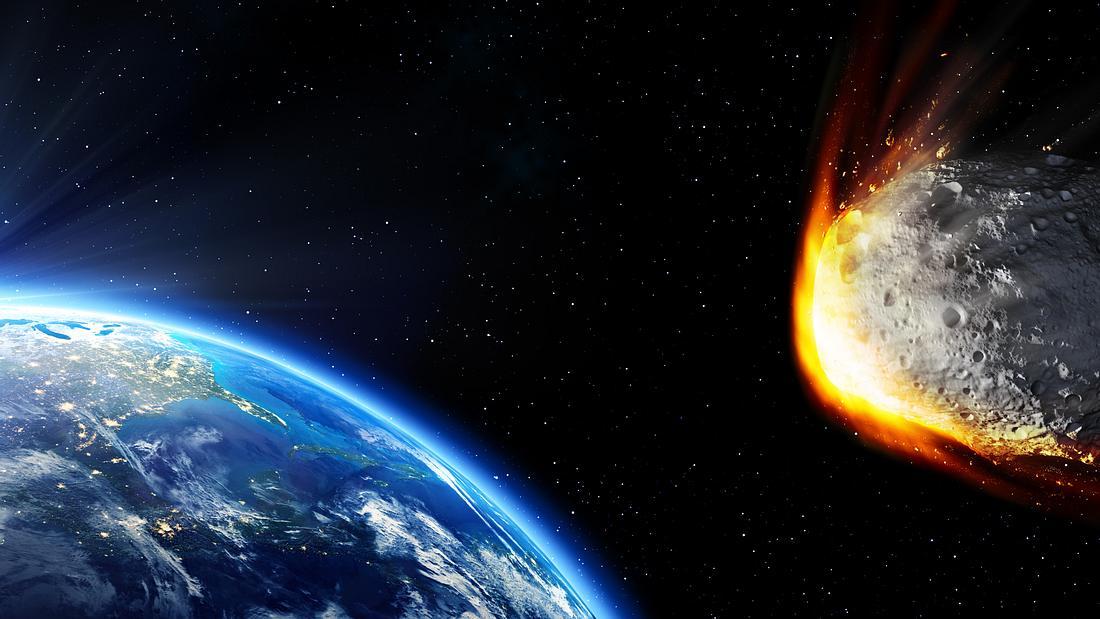 Asteroid rast auf die Erde zu