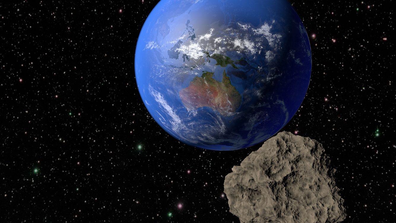Asteroid rast auf unsere Erde zu