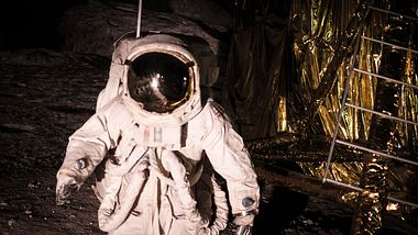 Astronaut auf dem Mond - Foto: iStock / StockImages_AT