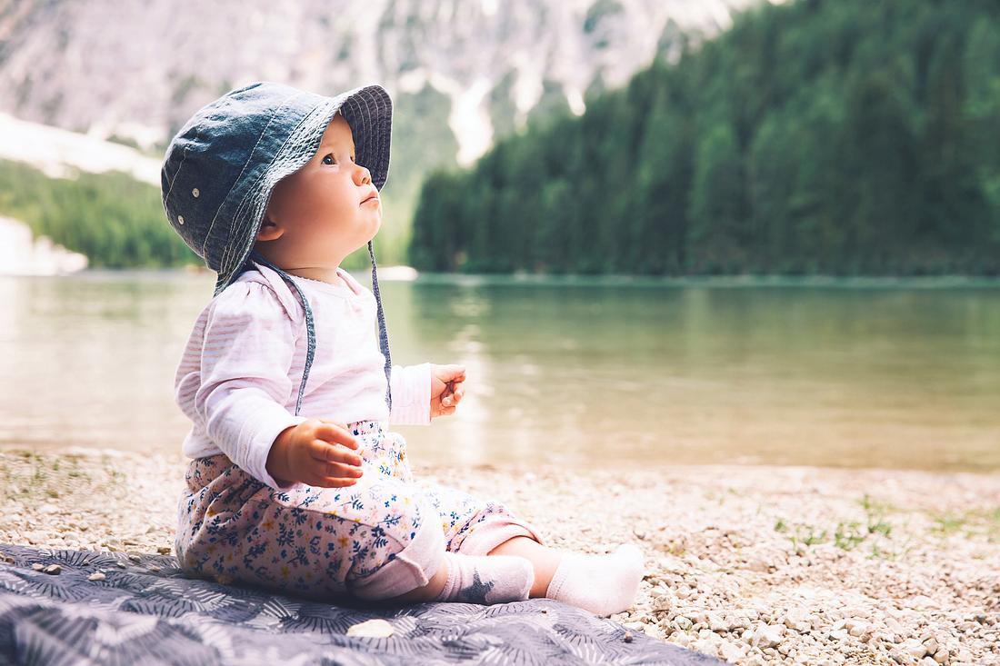 Baby in der Natur