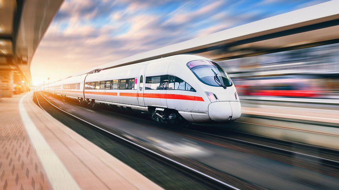 Die Bahn führt neue Fahrplantaktung ein.