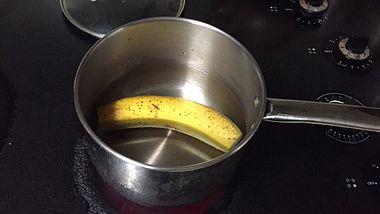 Schneide von einer Banane beide Enden ab und koche sie - was daraus entsteht, ist genial