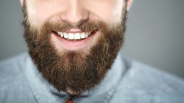 Bart färben: Das müsst ihr wissen und das braucht ihr dafür
