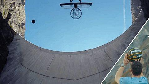 Volltreffer! Er wirft einen Basketball von einem Staudamm 180 Meter hinunter - Foto: Screenshots YouTube/HowRidiculous