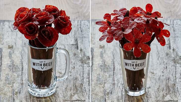 Die Firma hat Say It With Beef hat Rosen und Gänseblümchen aus Beef Jerky entwickelt
