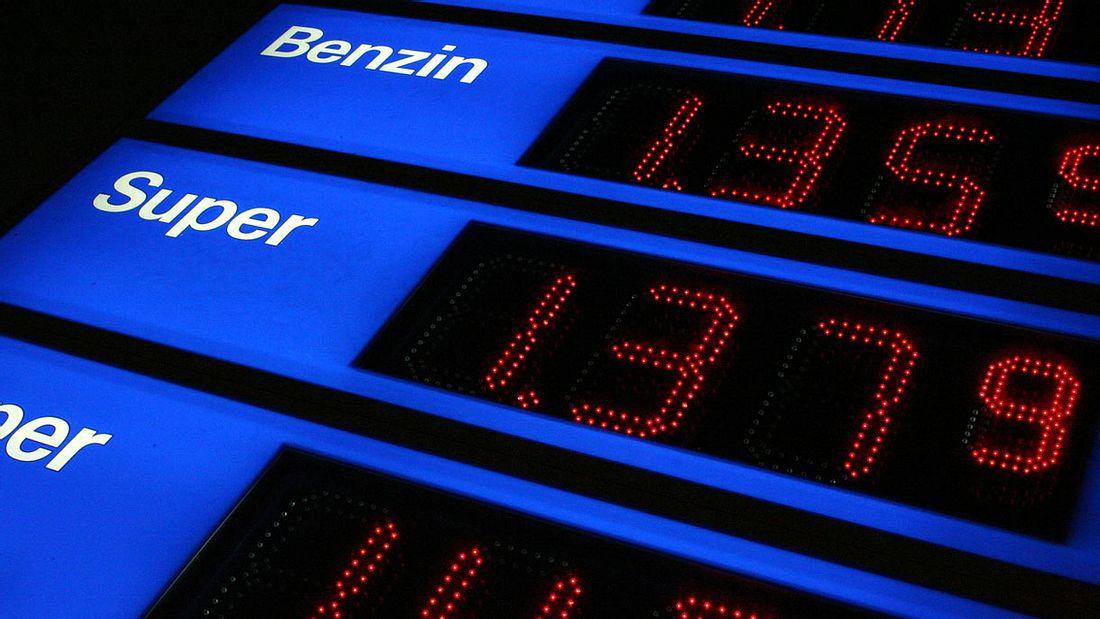 Die Benzinpreise in Deutschland könnten bald ordentlich steigen (Symbolfoto).