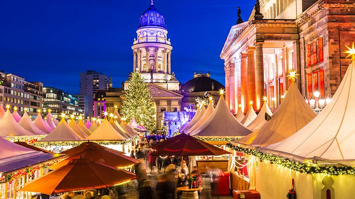 Weihnachtsmarkt am Gendarmenmarkt, Berlin - Foto: iStock / querbeet