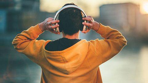 Das sind die besten Kopfhörer in unserem Check - Foto: iStock/PhotoAttractive