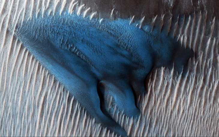 NASA: Blaue Sanddüne auf dem Mars.