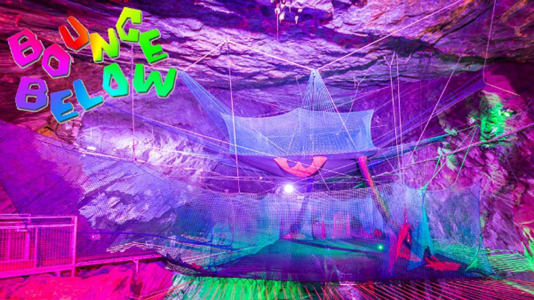 Bounce Below - Der vielleicht coolste Trampolin-Park der Welt befindet sich in einer stillgelegten Schiefermine im Norden von Wales.