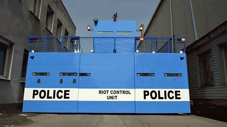 Bozena Riot: Dieser Polizei-Panzerwagen von Bozena Security Systems ist die düstere Zukunft der Anti-Terror-Bekämpfung