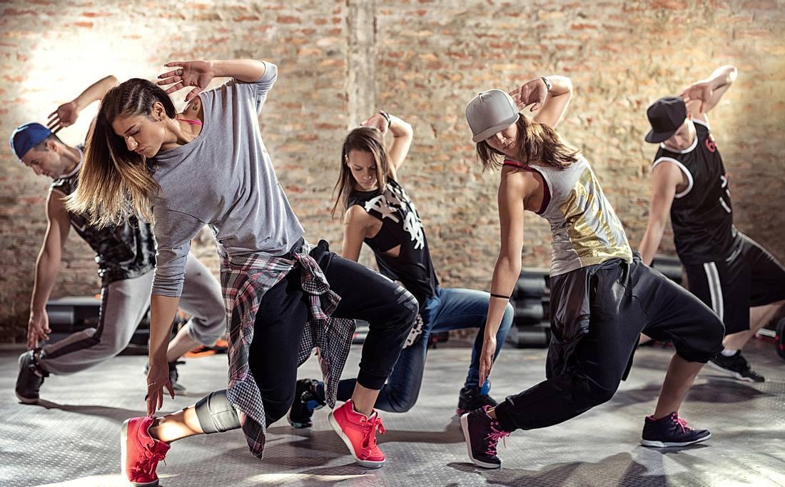 Junge Menschen beim Breakdance