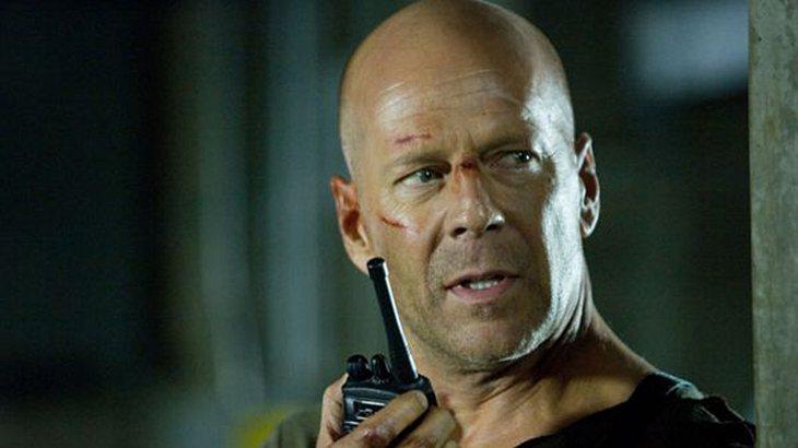 """Bruce Willis, Vin Diesel, Jason Statham und """"The Rock"""" - Männer mit Glatze wirken erfolgreich und potent"""
