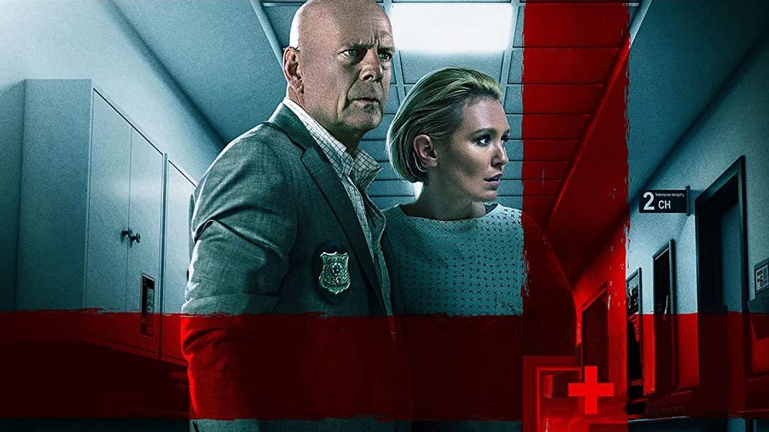 Bruce Willis und Nicky Whelan in Trauma Center
