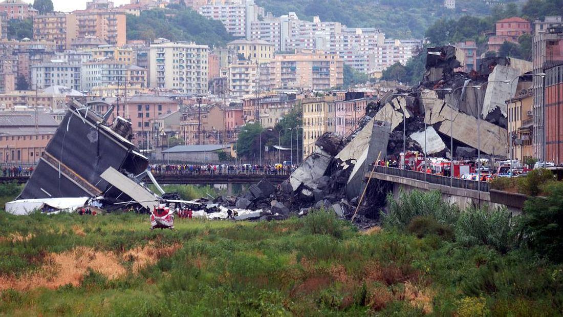 Die eingestürzte Brücke in Genua, Italien