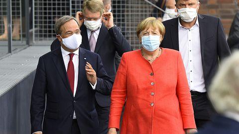 Armin Laschet, Angela Merkel - Foto: Getty Images