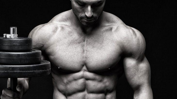 Effektives Brustmuskeltraining für den Mann (Symbolfoto).