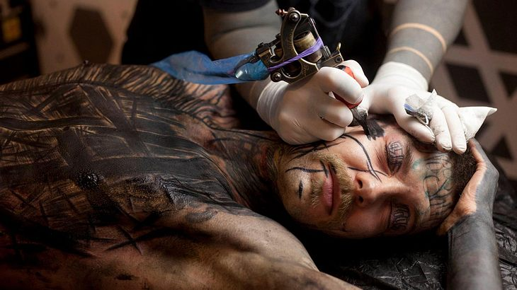 Tattoo Pflegen Was Du Nach Einer Tatowierung Beachten Musst