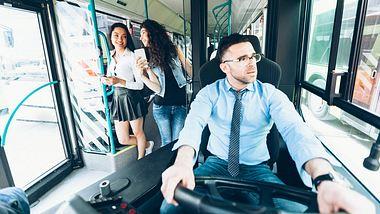 Busfahrer-Gehalt: Was verdient ein Busfahrer?