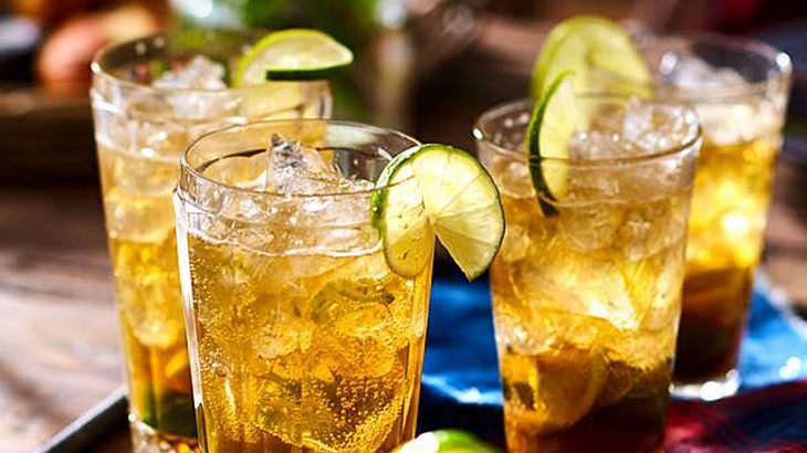 Bier-Cocktail CaiBIERinha