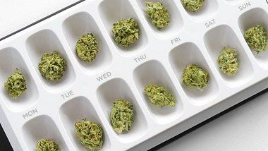 Beschluss des Bundestags: Cannabis gibts in Deutschland künftig auf Rezept - Foto: istock / SageElyse