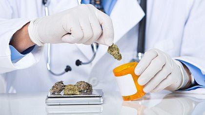 Forschungsinitiative Cannabiskonsum sucht Berliner Kiffer für Studie - Foto: iStock/LattaPictures