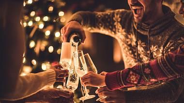 Champagner kaufen - Foto: iStock/skynesher