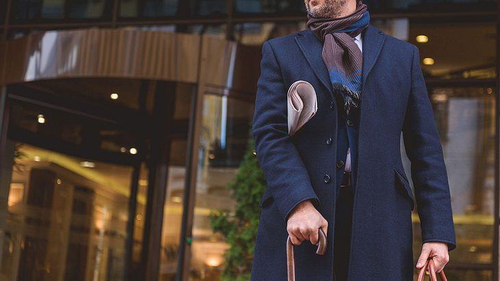 Der Chesterfield: Der elegante Mantel für den Gentleman
