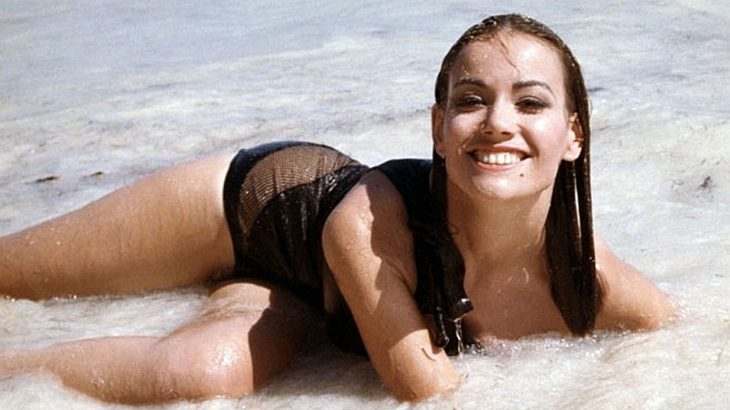 "Claudine Auger als Domino Derval in ""Feuerball"""