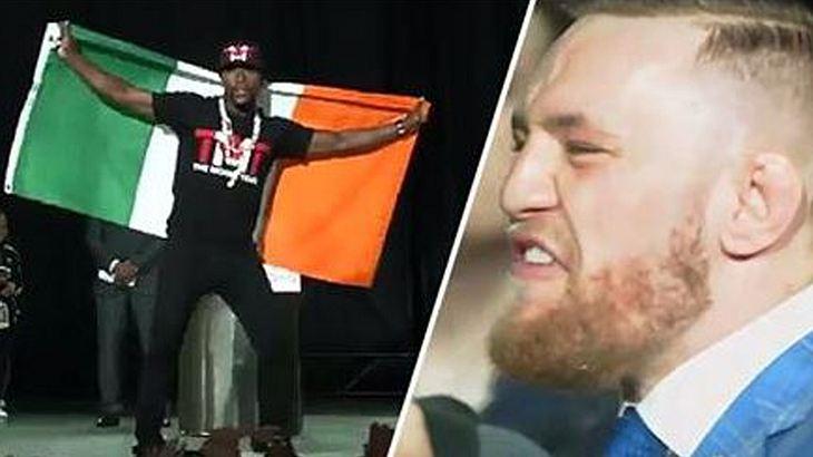 Promo für MayMac: Floyd Mayweather hüllt sich in die irische Flagge. Conor McGregor reagiert gereizt