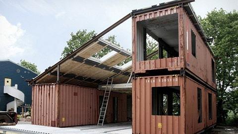 Upcycling: Aus diesen drei Containern wird ein Loft-Haus!