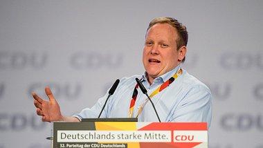 Corona-App: Chef der Jungen Union will Deutsche zur Installation zwingen