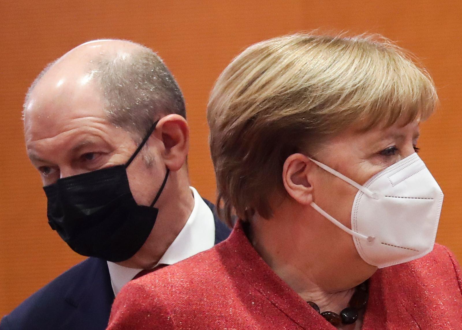 Corona-Schock in Deutschland: Impfstopp!
