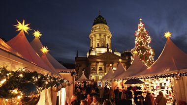 Weihnachtsmarkt am Gendarmenmarkt - Foto: GettyImages/Sean Gallup